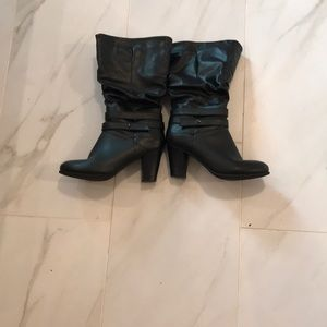 Black boots,, size 8.5 with zipper